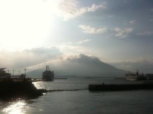 桜島と朝日